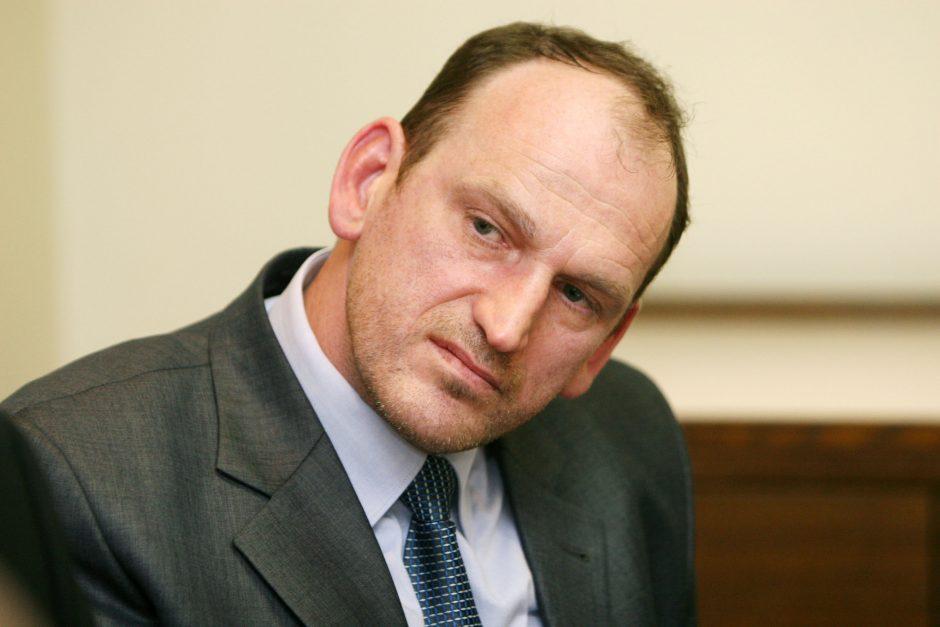 Teismo medicinos ekspertas V. Armonas nušalintas nuo pareigų