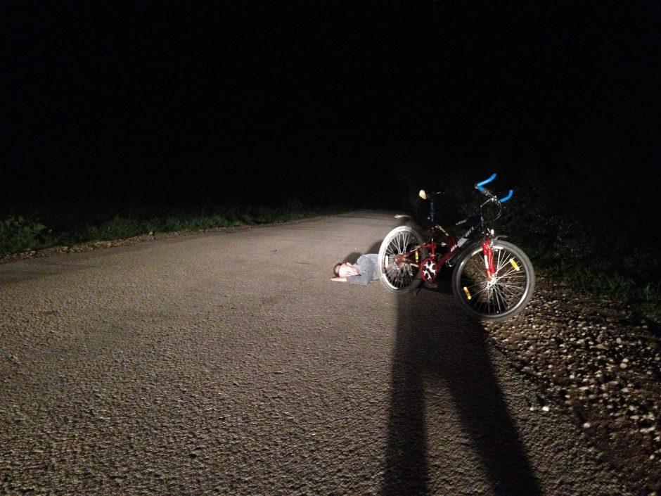 Kelią pastojo miegalius (nuo tragedijos išgelbėjo tik dviračio atšvaitai)