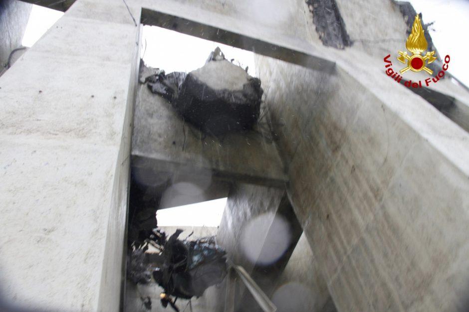 Nugriuvęs viadukas Italijoje