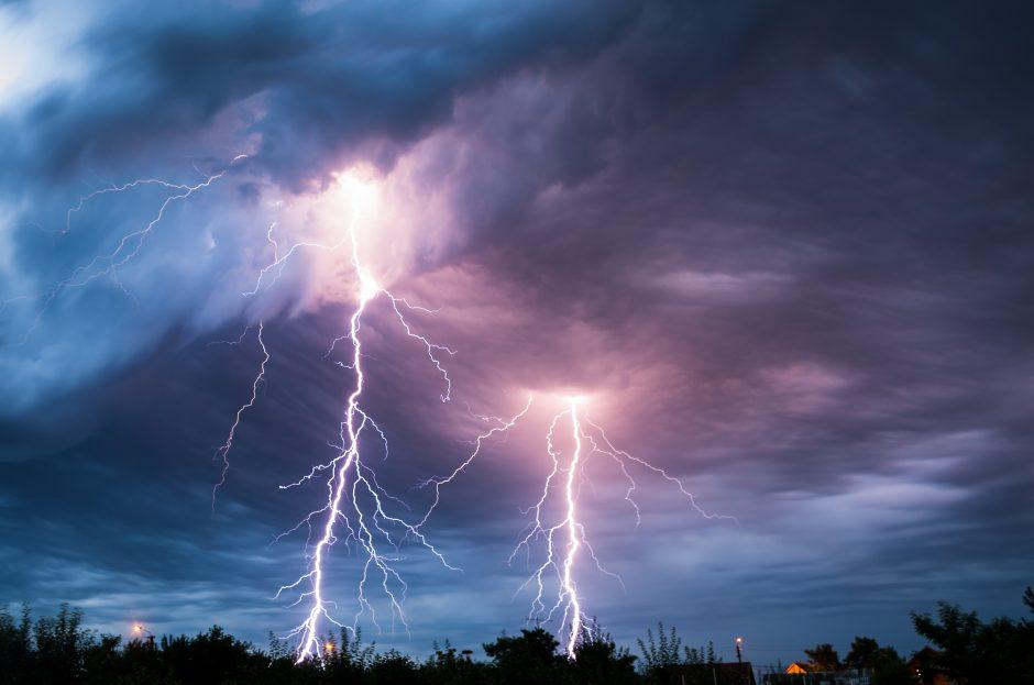 Skaudi nelaimė: Nidoje žaibas nutrenkė moterį