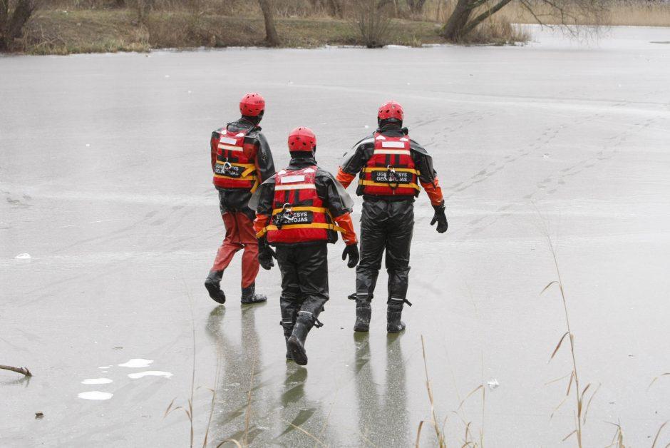 Ežero lede – įšalęs lavonas