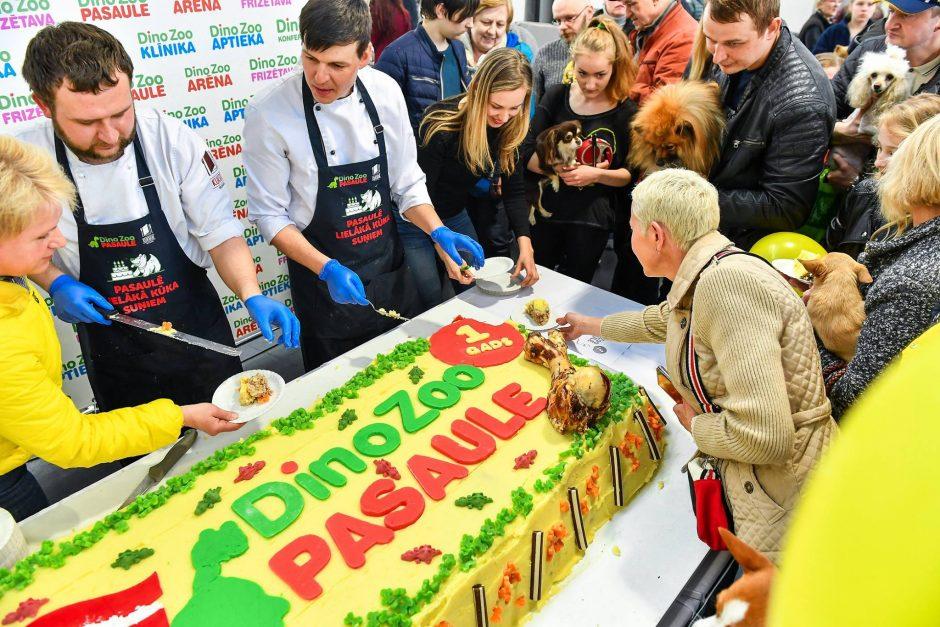 Šunims – 141 kg tortas