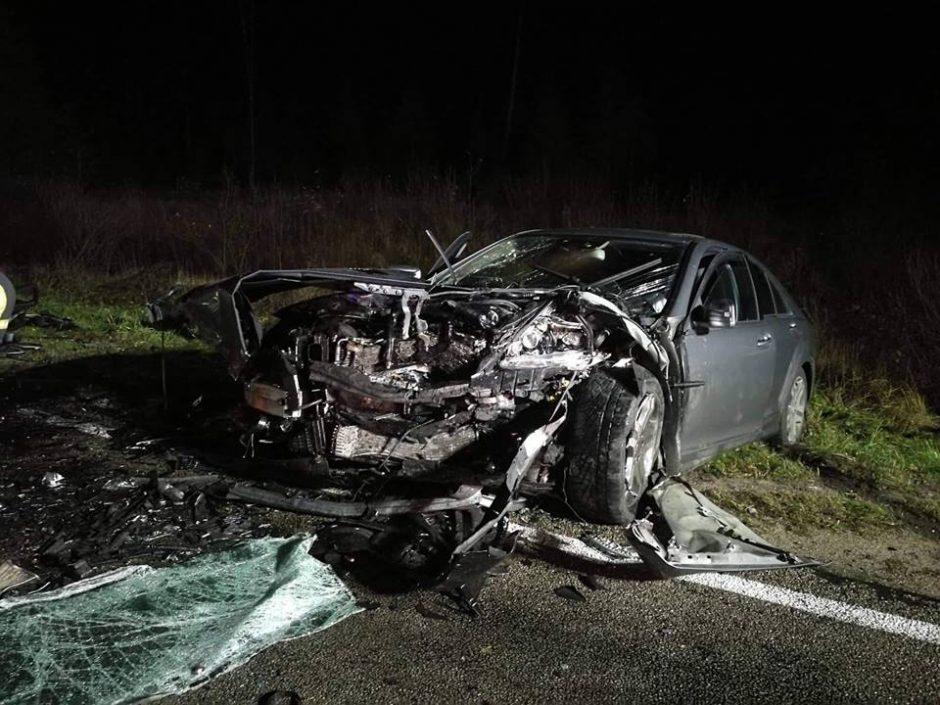 Kraupioje automobilių kaktomušoje – trys sužeistieji