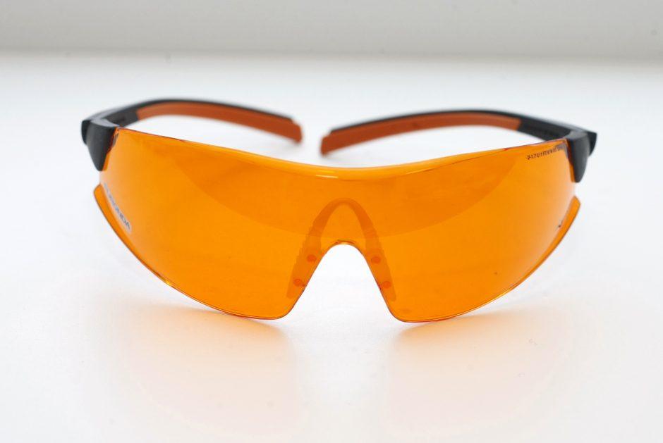 Vietoj tramdomųjų priemonių – akiniai