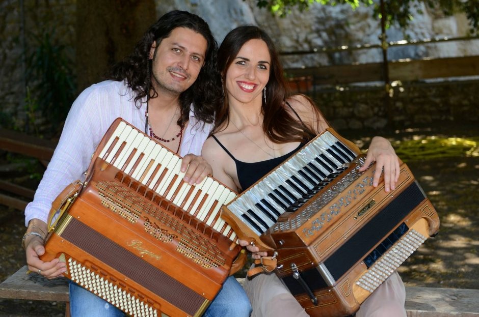 Gros akordeono virtuozai iš Italijos