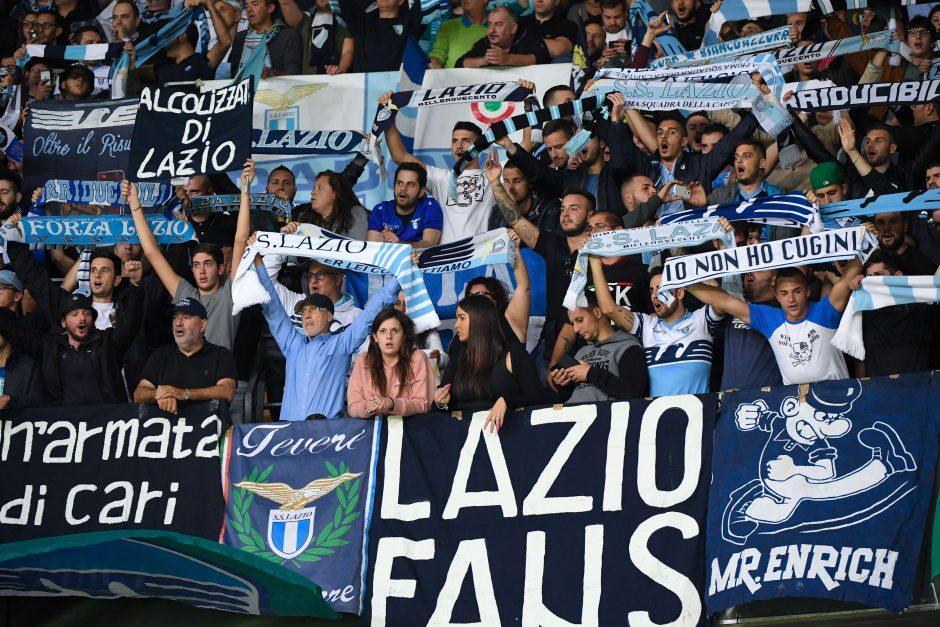 """EP vadovas pasmerkė italų futbolo komandos """"Lazio"""" sirgalius už antisemitizmą"""