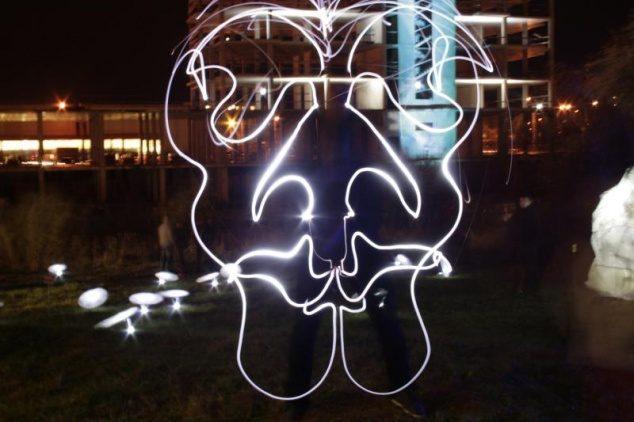 """Savo jėgas išbandyti vilniečius kviečia šviesos festivalis """"BEEpositive 2013"""""""