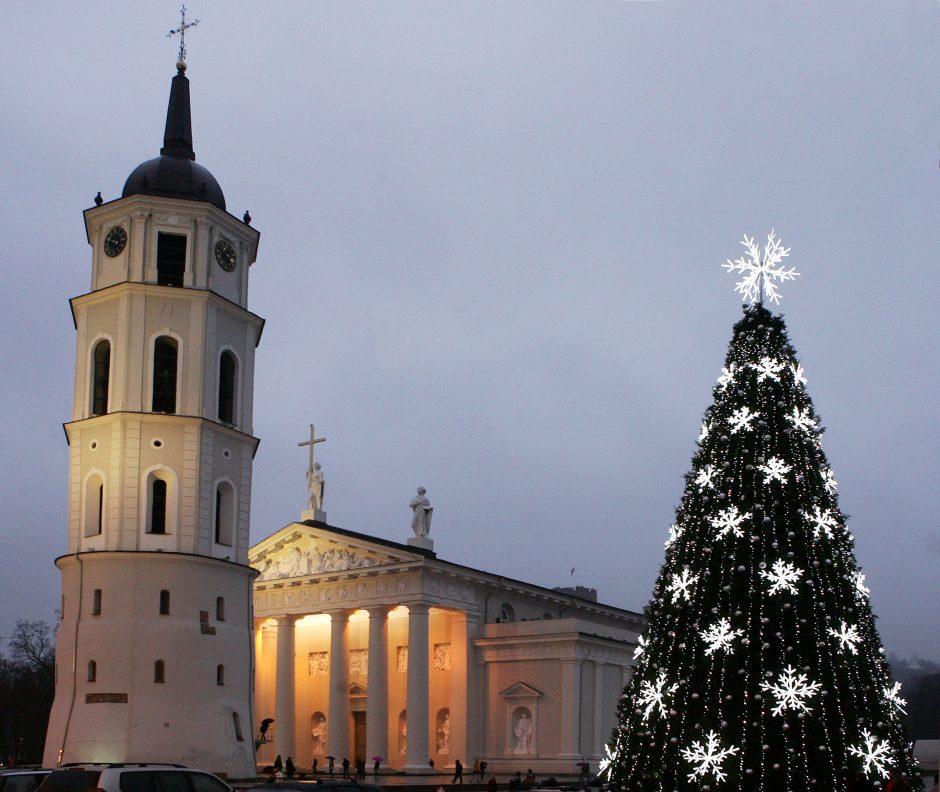 """""""Dovana Vilniui"""" kviečia prisidėti prie miesto papuošimo kalėdinėmis dekoracijomis"""