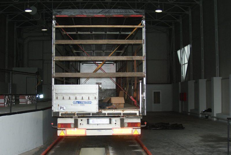 Medininkų kelio poste sulaikytas 300 tūkst. litų vertės kontrabandinių cigarečių krovinys