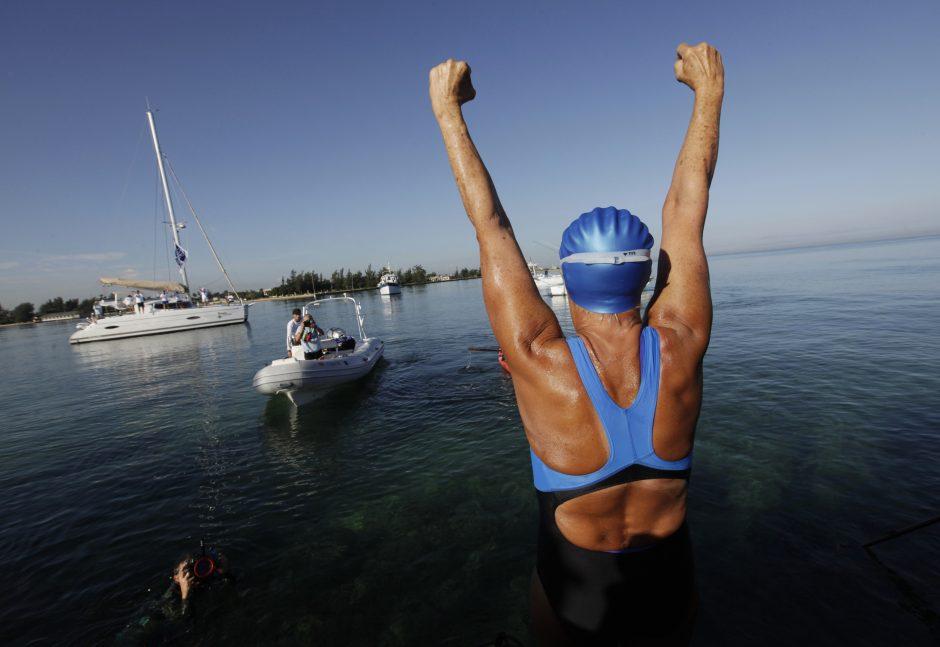 64 metų amerikietė pateko į istoriją nuplaukusi iš Kubos į Floridą