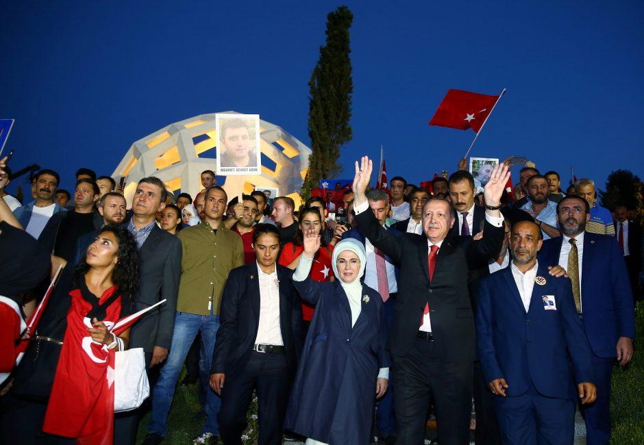 Turkija mini pirmąsias sužlugdyto perversmo metines