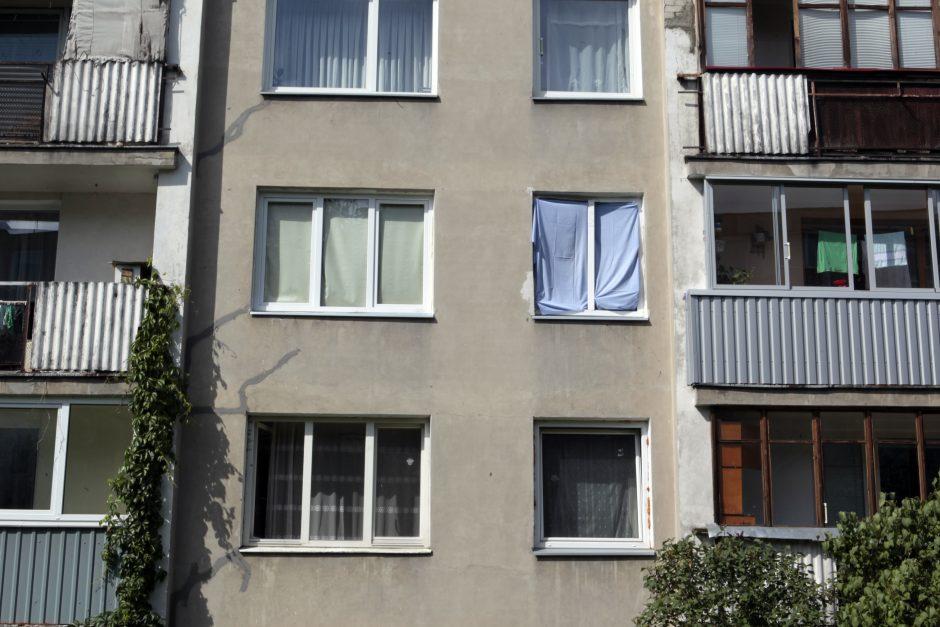 Sostinės bute nugriaudėjęs sprogimas išdaužė langus
