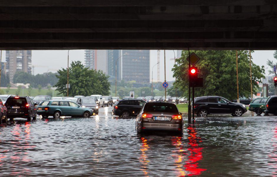 Kodėl vasarą patvinsta miestai?