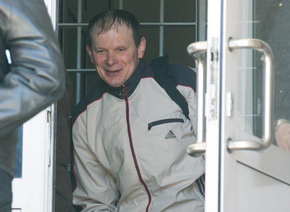 Žurnalistą V. Lingį nužudęs I. Achremovas naktimis galės nebūti namuose