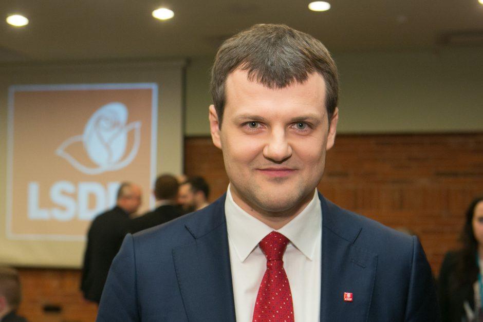 Kokius žaidimus žaidžia socialdemokratų vadas G. Paluckas?
