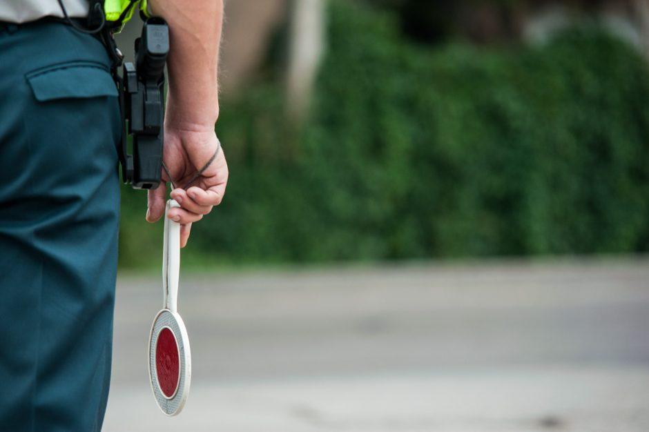 Vilniuje nubausti 63 vairuotojai už važiavimą visuomeniniam transportui skirta juosta