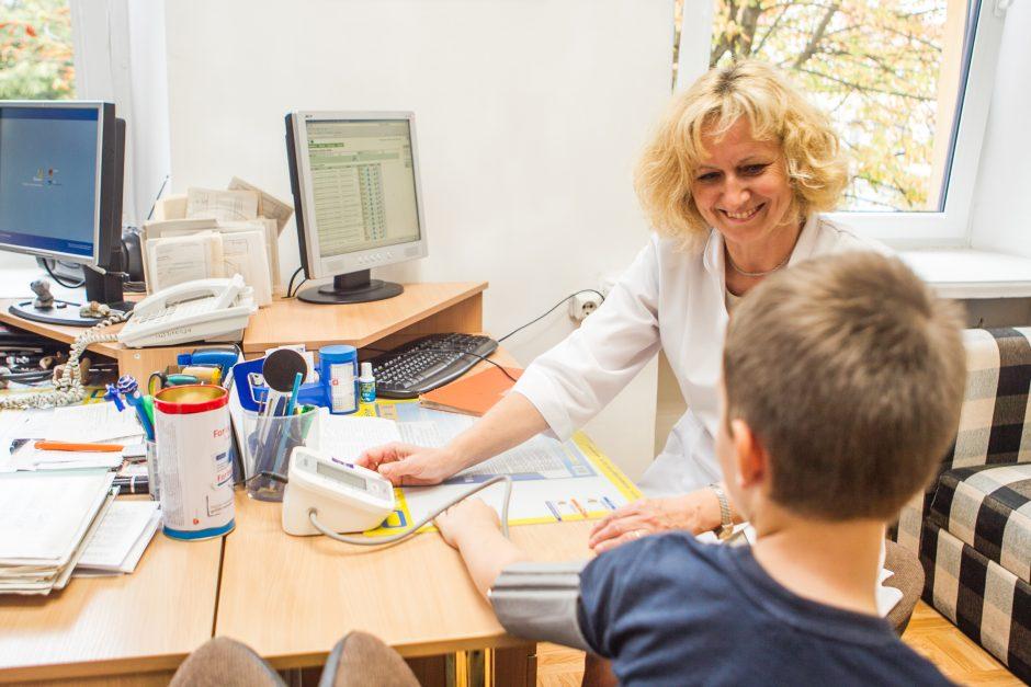 Žinia moksleivių tėvams: reikės ir odontologo parašo