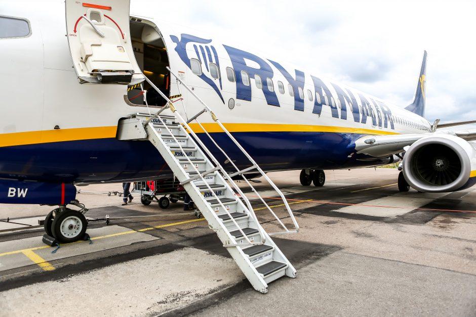 """""""Ryanair"""" vadovas: """"Brexit"""" pasibaigus be susitarimo gali būti atšaukti skrydžiai"""