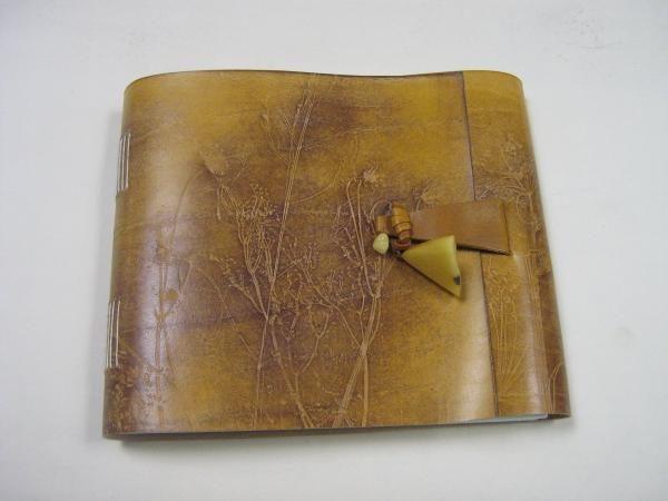 Knygų įrišai – tarsi menas mene