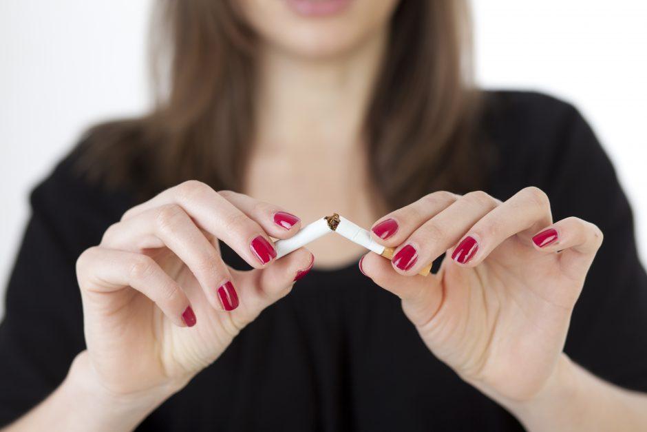 Rūkančioms moterims – gąsdinantys įspėjimai