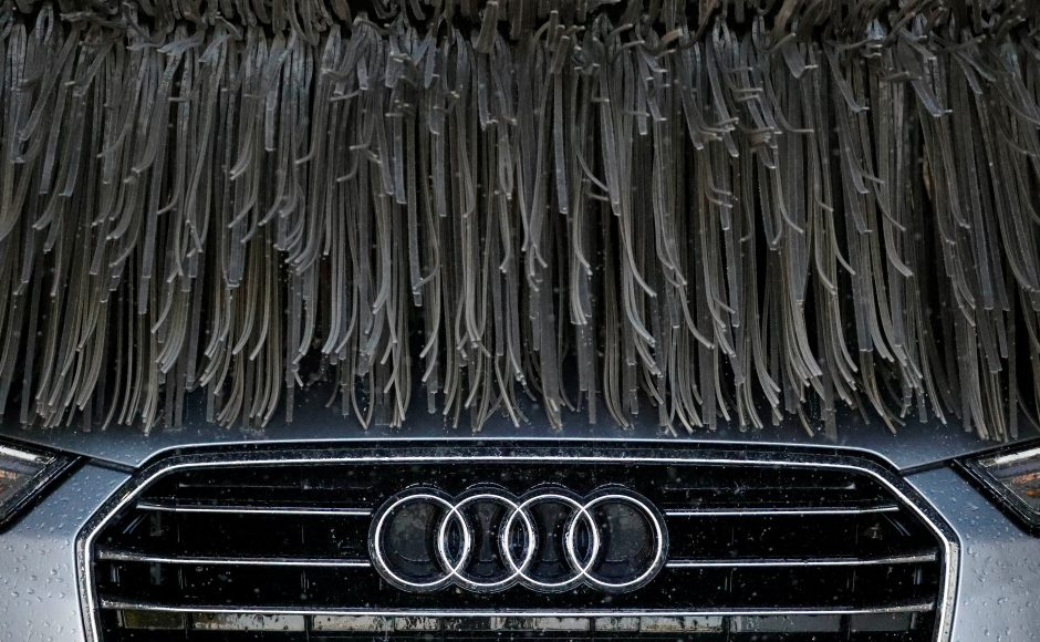 """""""Audi"""" sutinka su 800 mln. eurų bauda"""
