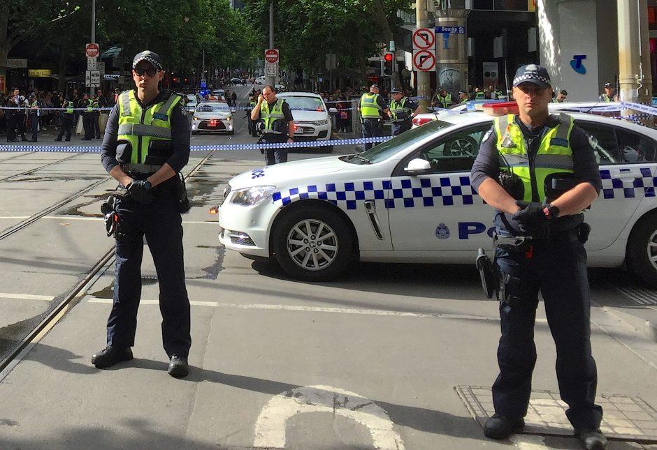 Incidentas Melburne: žmones peiliu puolęs vyras nužudė vieną asmenį