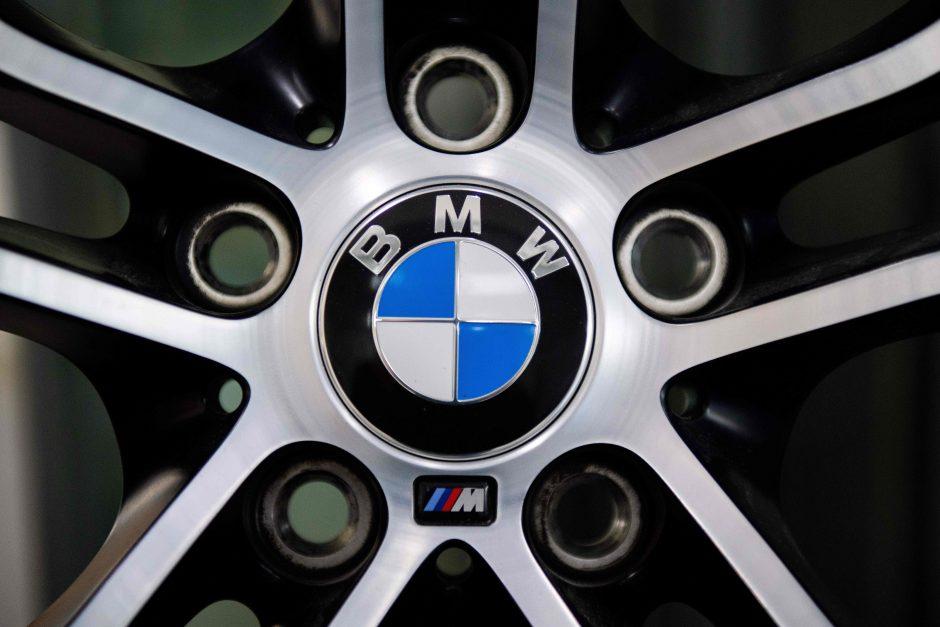 BMW atšaukia 1,6 mln. automobilių