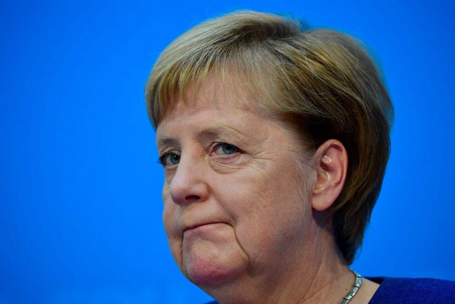 A. Merkel – raginimas keisti kryptį dėl dujotiekio su Rusija projekto