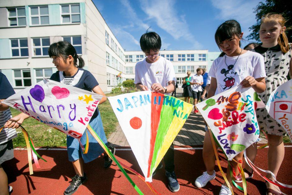Kauniečių šeimos sulaukė svečių iš Japonijos