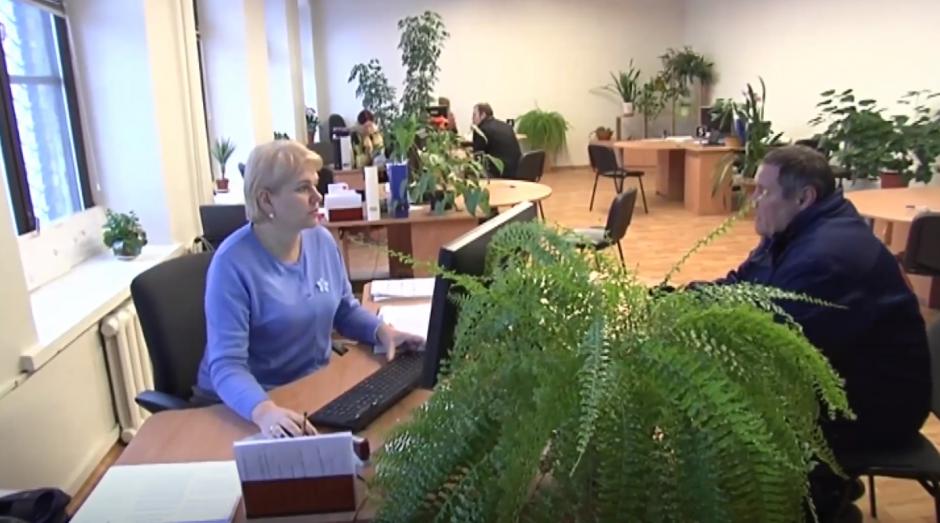 Lietuvoje sparčiai daugėja laisvų darbo vietų