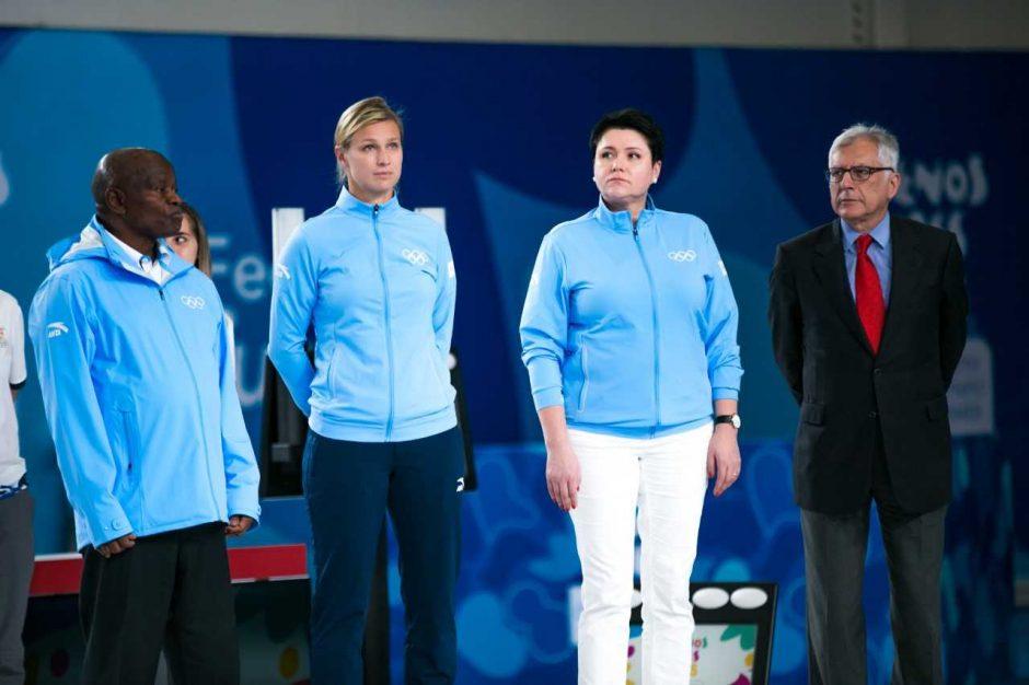 Naujoji TOK narė D. Gudzinevičiūtė apdovanojo fechtavimo nugalėtojus