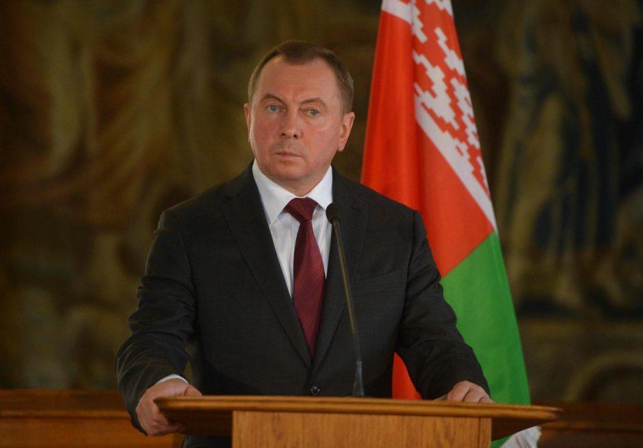 Minskas priešinasi ir didinamiems NATO pajėgumams regione, ir Rusijos bazei šalyje