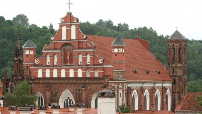 Į Bernardinų bažnyčią grąžinamas šv. Barboros paveikslas