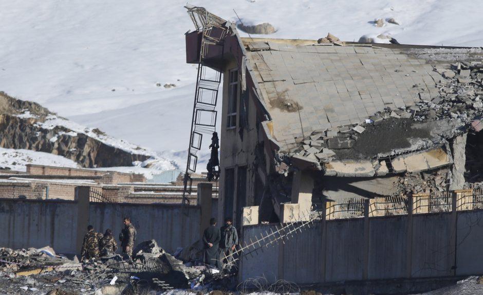 Per talibų išpuolį Afganistane žuvo daugiau kaip 100 žmonių