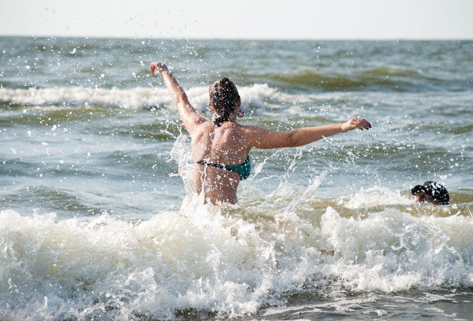 Specialistas paaiškino, kaip jūroje susidaro pavojingos bangos
