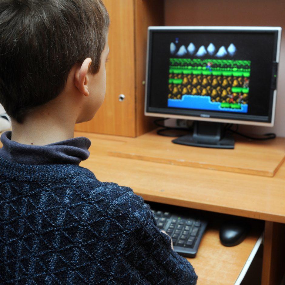 Psichologams už valandą vaikų apklausose siūlomi 13 eurų