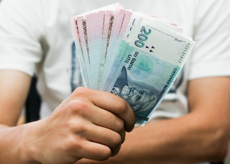 Finansų ministerija siūlo riboti didesnius kaip 10 tūkst. litų atsiskaitymus grynaisiais
