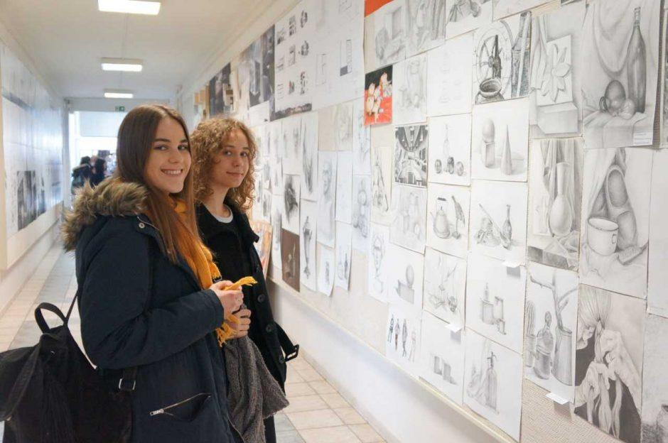 Apie architektūros studijas galvojantys moksleiviai varžėsi piešimo olimpiadoje