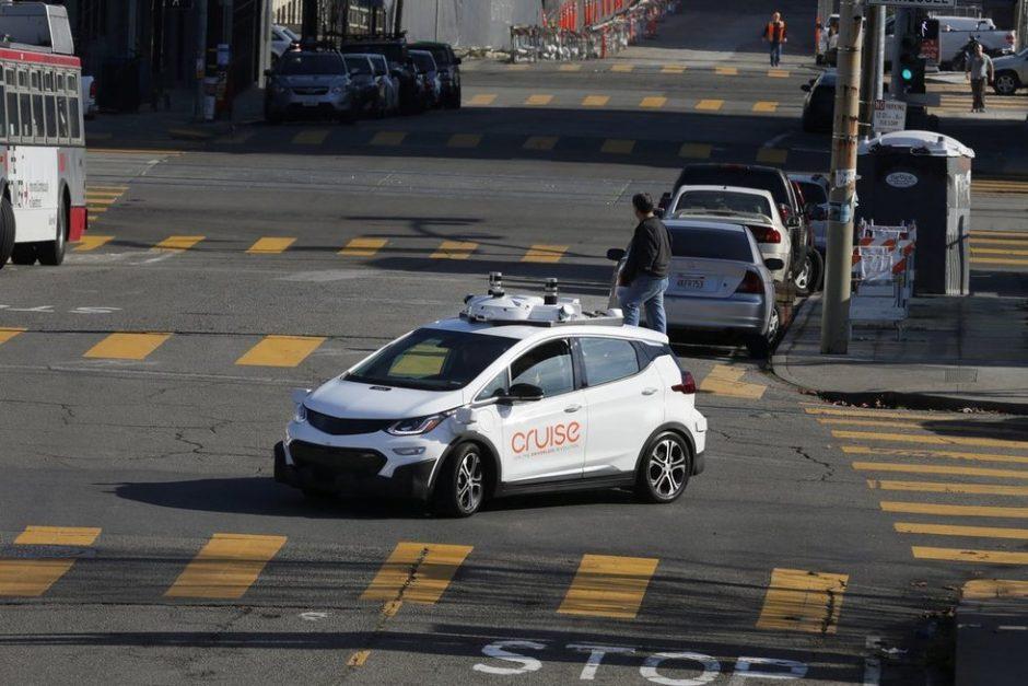 Seimas atvėrė kelią savivaldžiams automobiliams be vairuotojo