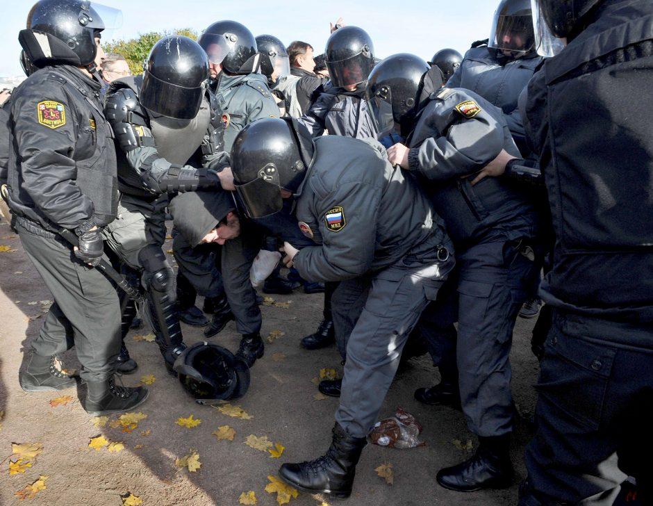 Prokuroratūra siekia buvusių Vilniaus OMON vadovų teismo už akių