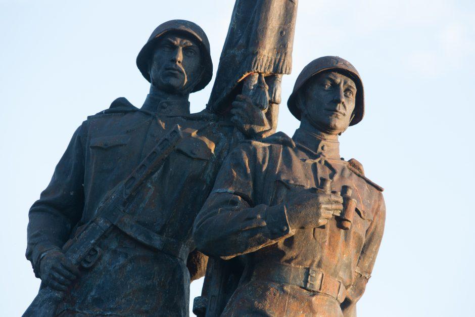 Tremtiniai ir politiniai kaliniai ragina iškelti iš Vilniaus sovietinius paminklus