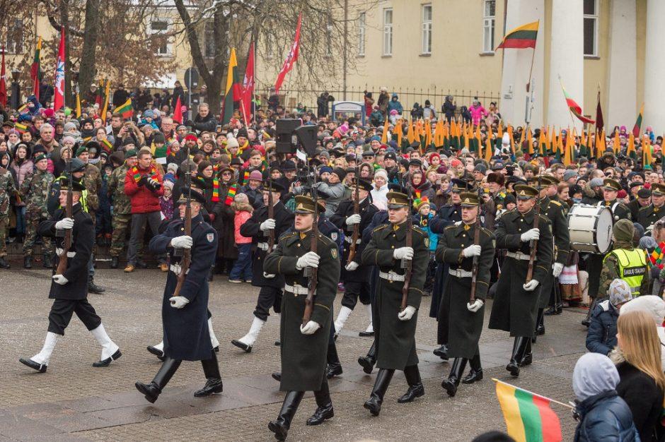 S. Daukanto aikštėje – Baltijos valstybių vėliavų pakėlimo ceremonija