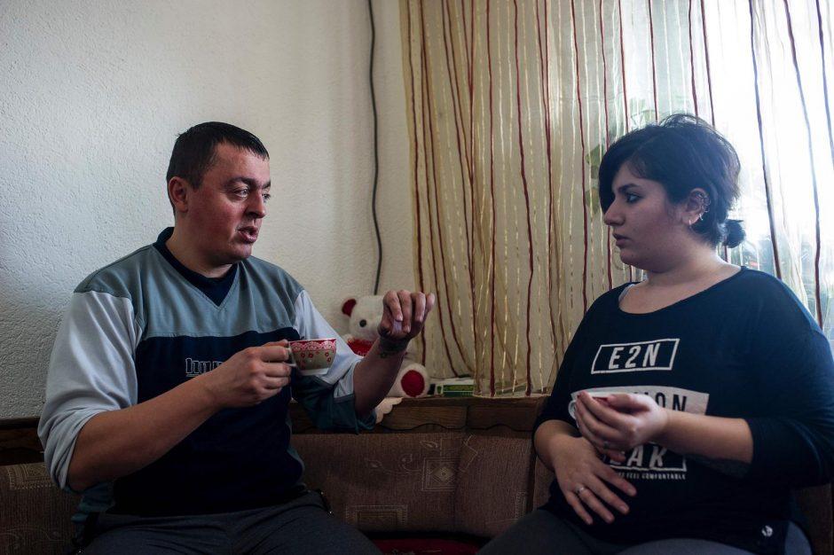Neįtikėtina meilės istorija: pasienietis ir pabėgėlė iš Irako sukūrė šeimą