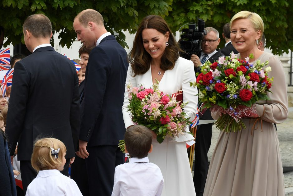 Britanijos karališkoji šeima lankosi Lenkijoje