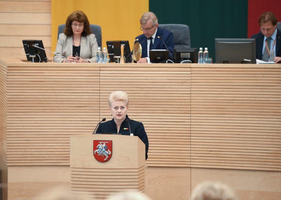 """Prezidentė: politinės korupcijos byla atskleidė """"neregėtą Lietuvą"""""""