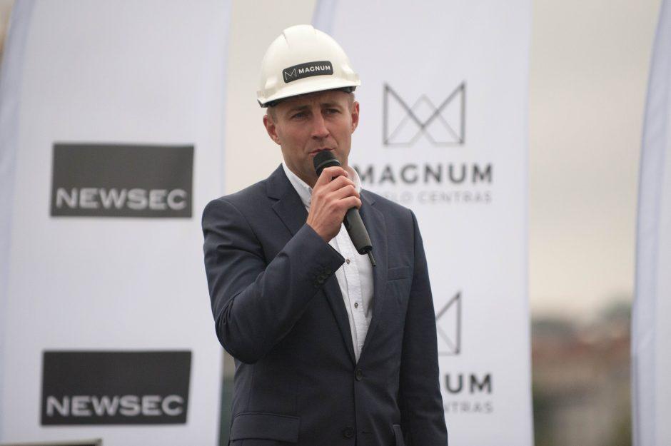 """Prasidėjo verslo centro """"Magnum"""" statybos"""