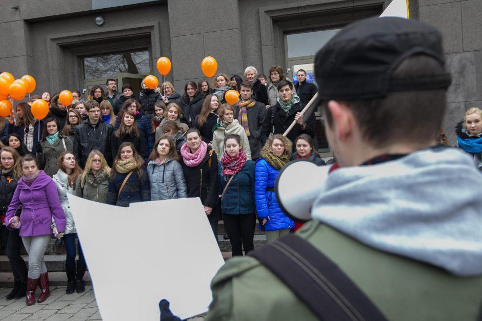 LEU studentai: Lietuvos edukologijos universiteto šviesa neužges!