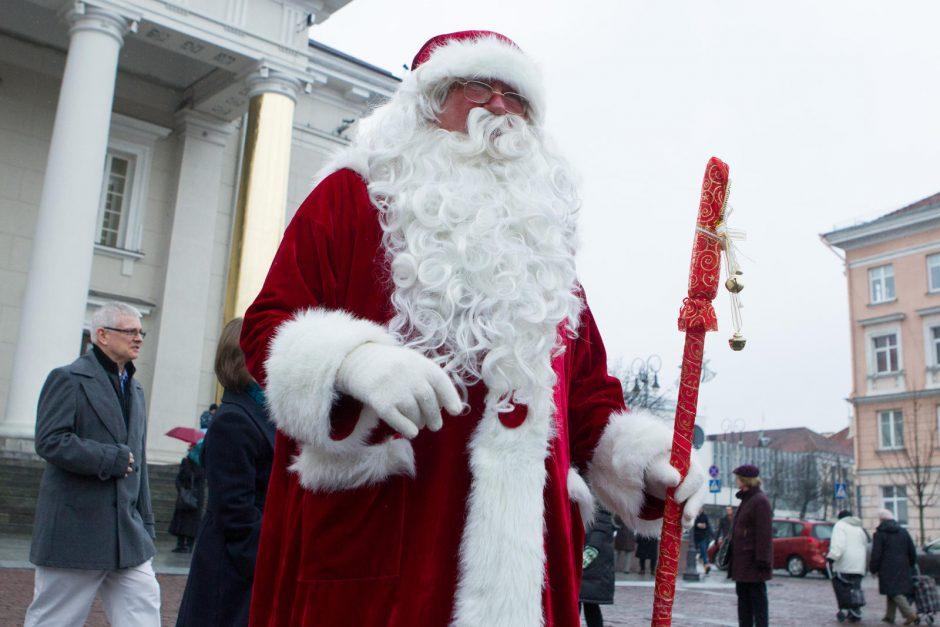 Rotušės aikštėje įžiebta Vilniaus Kalėdų eglutė
