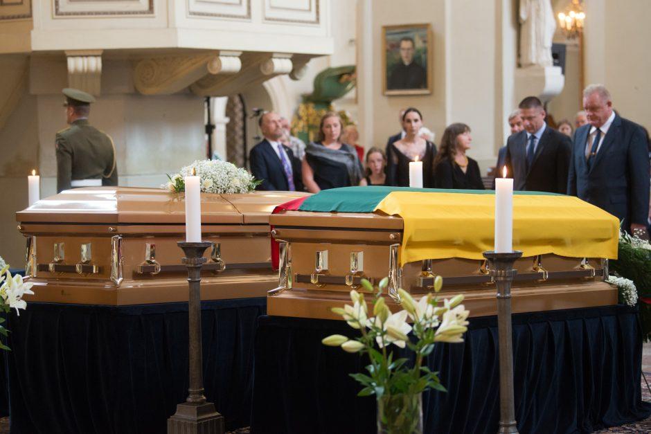 Šv. Jonų bažnyčioje pašarvoti M. Biržiškų šeimos palaikai