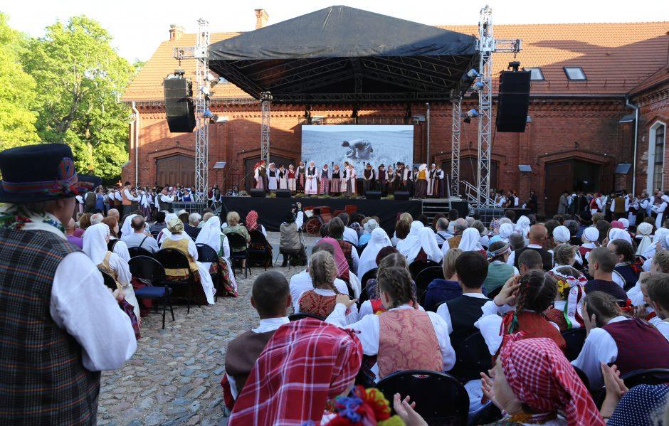 Raudondvario parke – folkloro fiesta